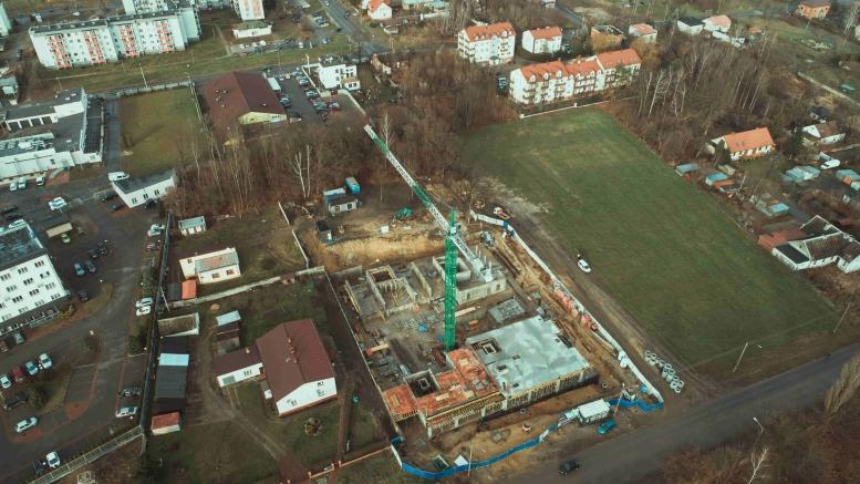 Blok mieszkalny - Skarżysko-Kamienna, Aleja Tysiąclecia PP - grudzień 2020